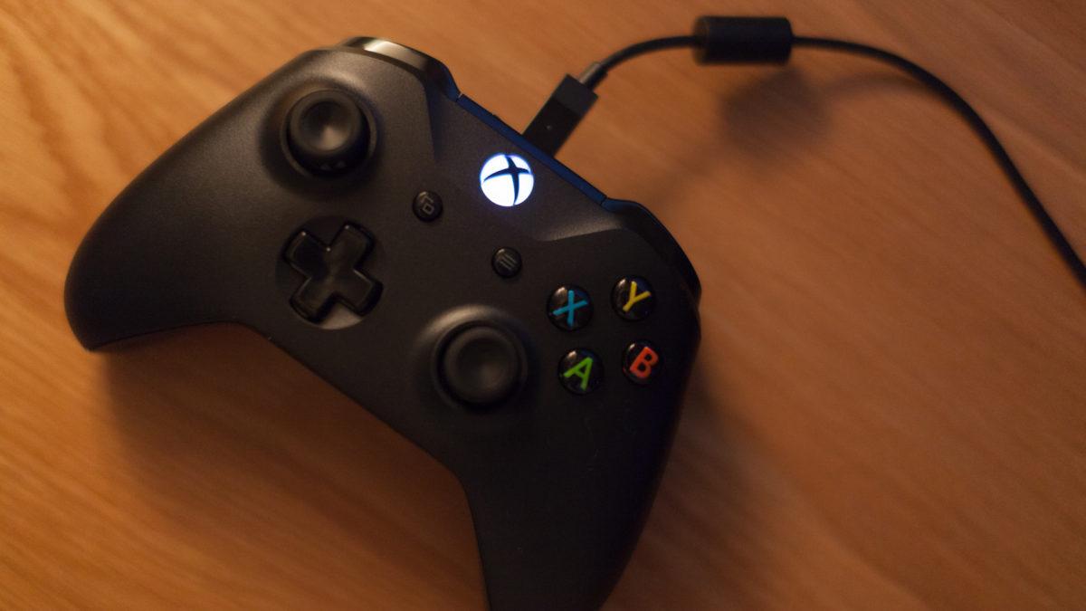 PCゲーム用にXbox One ワイヤレスコントローラーを購入