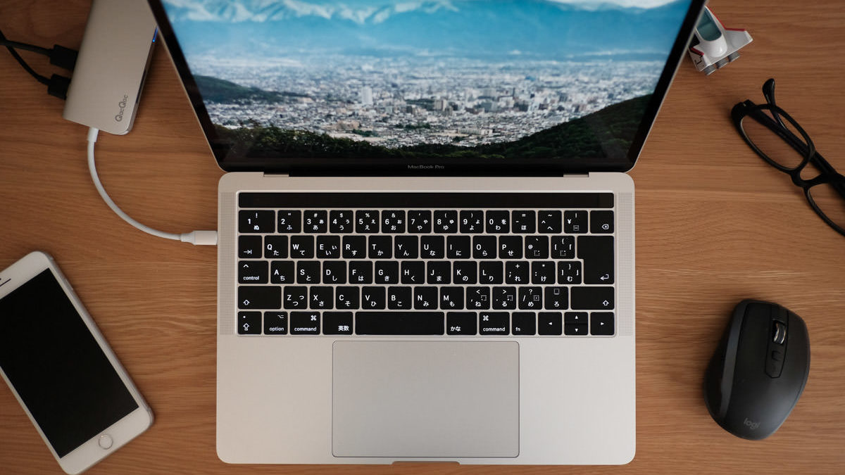 13インチ MacBook Pro 2017 Touch Barを中古で購入レビュー