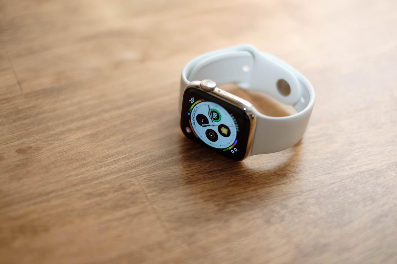 Apple Watch Series 4 40mm ステンレススチールケース を購入しました。買い替えた理由や使用感など