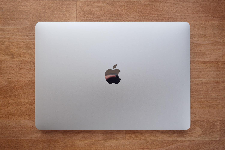 MacBook Air 2018を俯瞰した様子